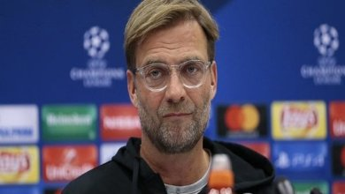 Liverpool trying to sign a centre-half, says Klopp