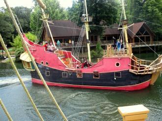 Ship~097-New_Hampshire_and_PLong