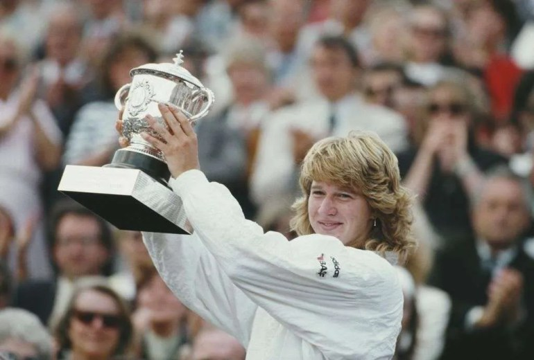 02_Steffi Graf First Grand slam title at French Open in 1987