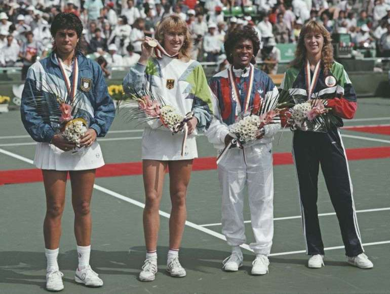 03_Steffi Graf after her Gold Medal in Olympic games in 1988