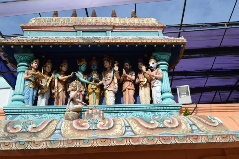 Para Dewa di Sri Nagara Thendayuthapani Temple