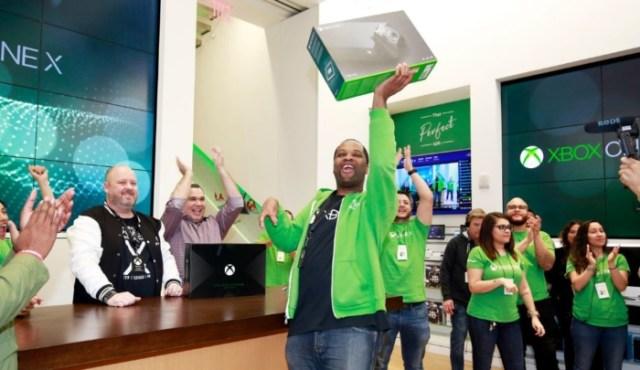Lanzamiento Xbox One X