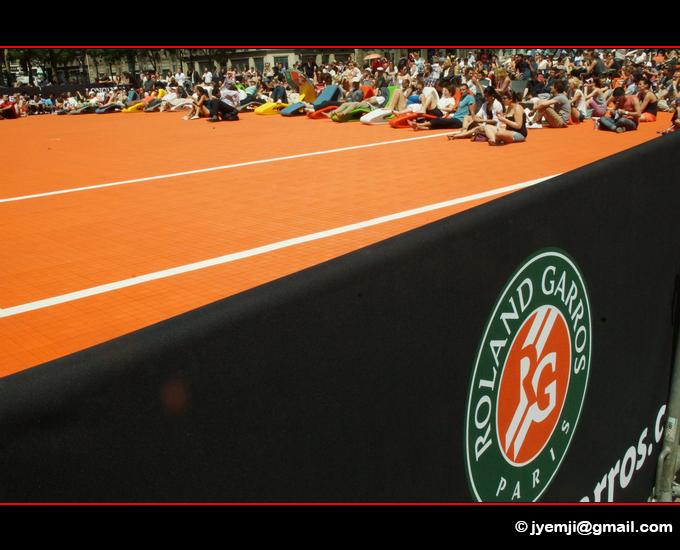 Roland Garros sur le parvis de l'Hotel de Ville de Paris. Photographies de Paris par © Hatuey Photographies