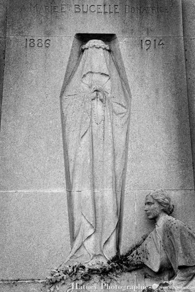 """Paris, Cimetiere du Pere Lachaise , Photographies de Paris, Cemetery Graveyard Cementerio Cimitero Friedhof , Cimetiere du Pere Lachaise , Photographies de la tombe de Marie BUCELLE (1888-1914) par """"©Hatuey Photographies"""