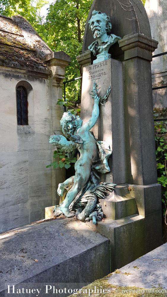 """Paris, Cimetiere du Pere Lachaise , Photographies de Paris, Cemetery, Cimetiere du Pere Lachaise , Photographies de la tombe de Jules ITASSE par """"©Hatuey Photographies"""""""