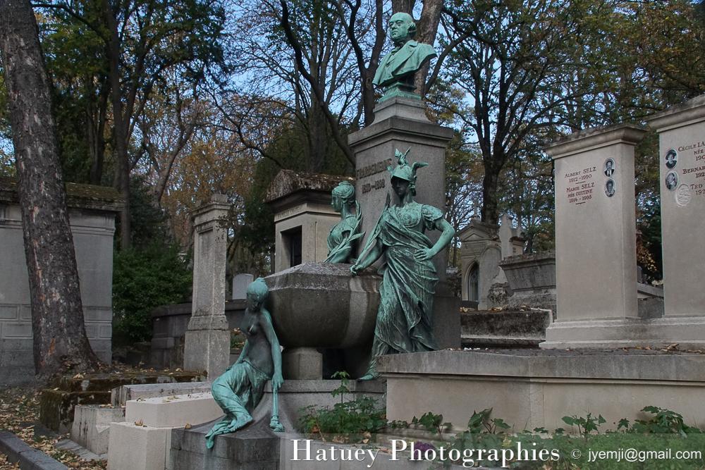 """Paris, Cimetiere du Pere Lachaise , Photographies de Paris, Cemetery Graveyard Cementerio Cimitero Friedhof , Cimetiere du Pere Lachaise , Photographies de la Tombe de Ferdinand Barbedienne par """"©Hatuey Photographies"""""""