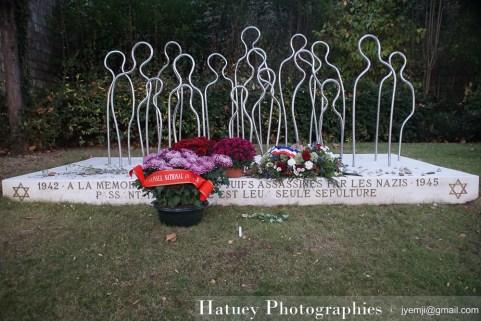 """Paris, Cimetiere du Pere Lachaise , Photographies de Mémoire des Juifs Assassinés par les Nazis """"©Hatuey Photographies"""",Toussaint"""