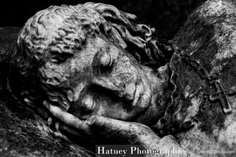 """Paris, Cimetiere du Pere Lachaise , Photographies de Paris, Cemetery Graveyard Cementerio Cimitero Friedhof , Cimetiere du Pere Lachaise , Photographies de la tombe de Elisa HODGSON (1818-1882) par """"©Hatuey Photographies"""""""