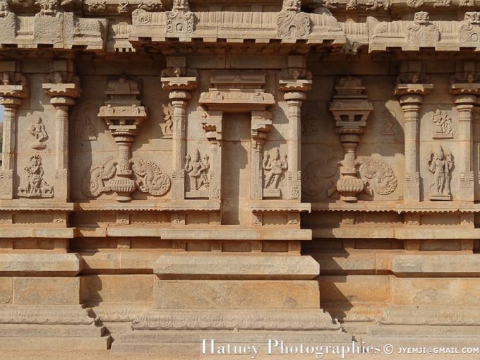 Hazara Rama Temple,Hampi, Karnataka. Southern India,Tourism in South India. Pictures of Southern India,Photographs of South India. Photographies en Inde du Sud par © Hatuey Photographies