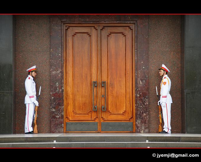 Mausolée Ho Chi Minh, Hanoi. Photographies du Vietnam by © Hatuey Photographies