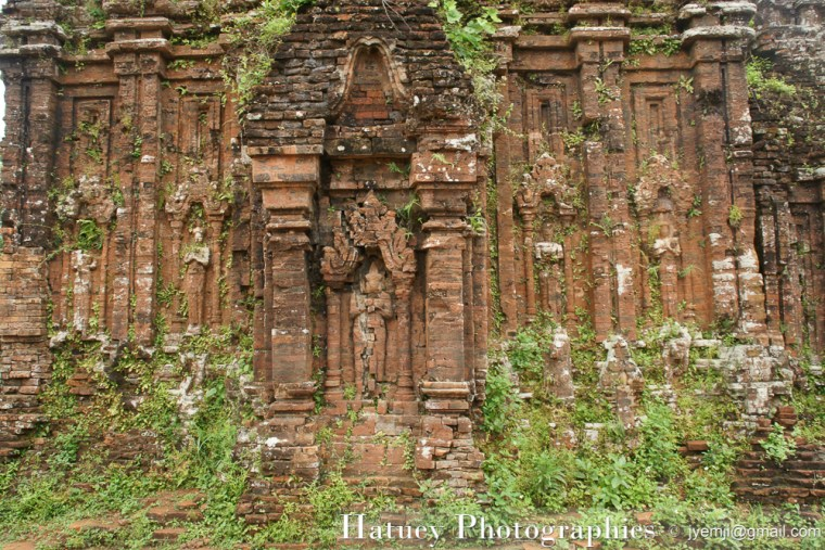 MySon, un ancien temple Cham proche de Hoi Han, classé par l'UNESCO en 1999. Photographies du Vietnam par © Hatuey Photographies
