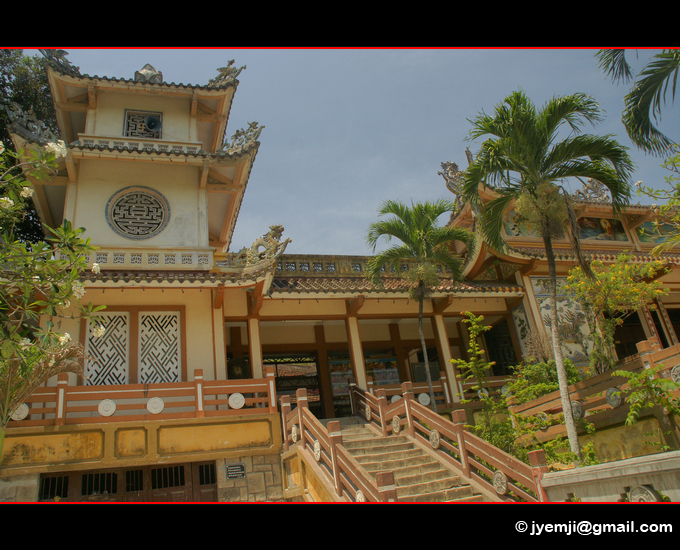 Nha Trang, Long Son Pagoda. Photographies du Vietnam by © Hatuey Photographies