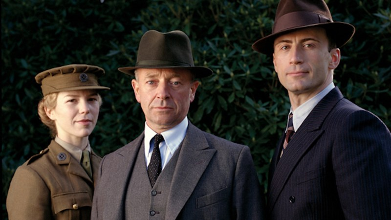 10 British TV Shows You Need To Add To Your Watch List winterandsparrow.com