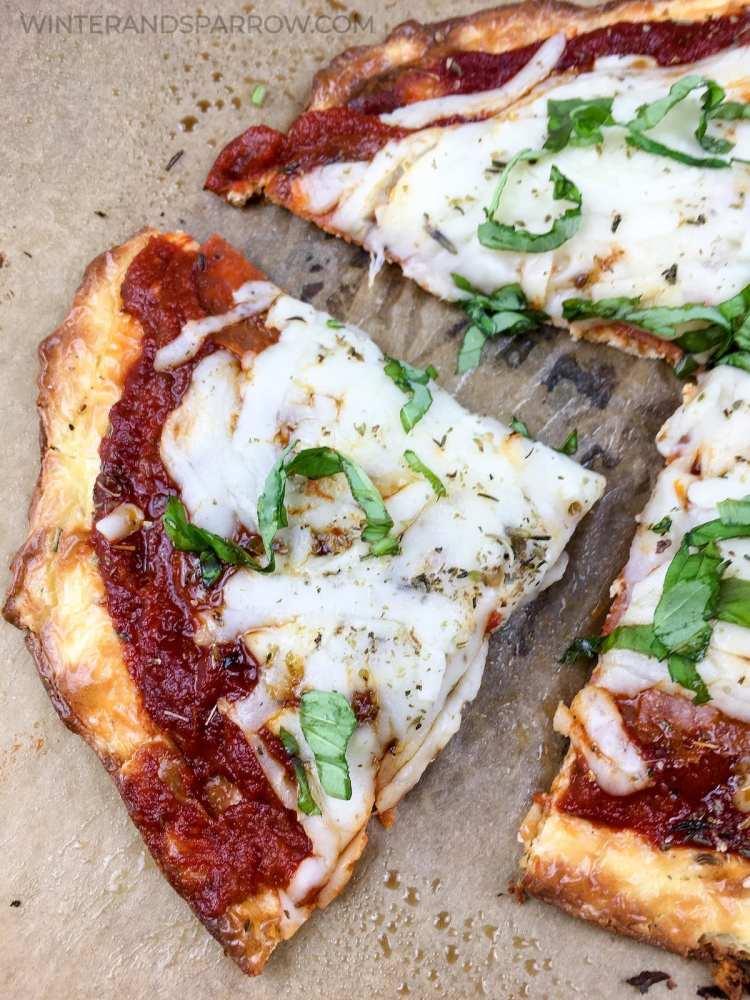 Easy + Homemade: Keto Pepperoni Pizza Recipe {Cauliflower Free} | winterandsparrow.com #ketorecipes #ketopizzarecipe #ketopizza #ketorecipe #easyketopizza