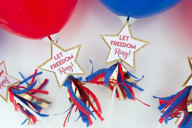 Balloon Wand 4th of July Party Favors by Partyography on Love The Day