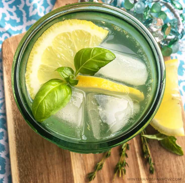 Summer Cocktail Ideas:  Zesty Lemon Spritzer