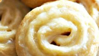 Easy Turkey & Cheddar Crescent Roll Pinwheels