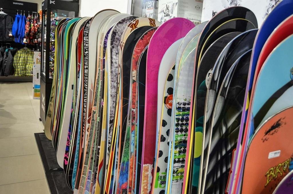 Rodzaje desek – jaką deskę snowboardową wybrać?