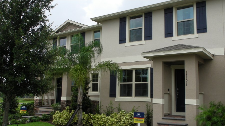 Townhomes For Sale In Waterleigh. Winter Garden Florida.  Home vs Townhome.