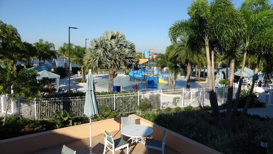 Solara Resort Parco acquatico Secchio d'acqua. Rich Noto agente immobiliare