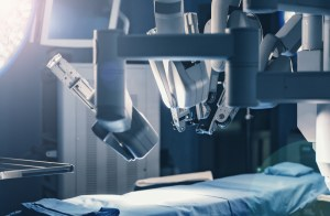 da vinci robot in operating room
