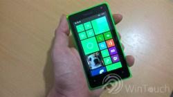 resized_Lumia 532 hand