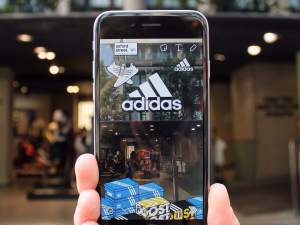 triggers-geofilters-adidas