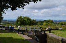 Caen Hill Locks 2