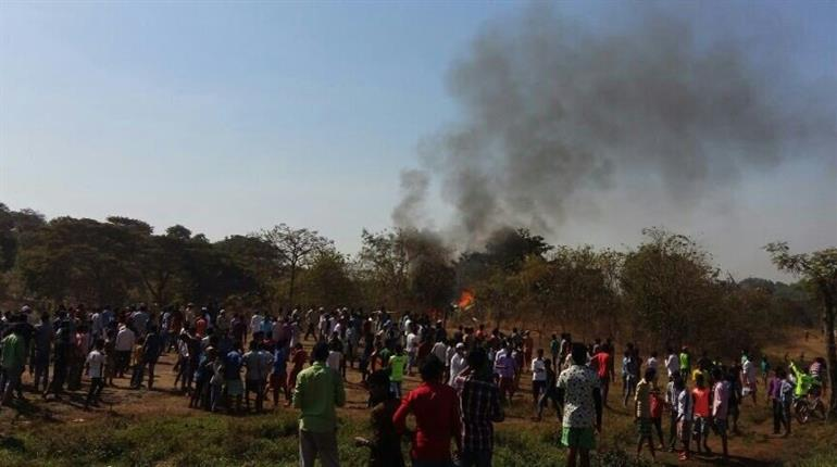 1 dead as helicopter crashes in Mumbai's Goregaon locality