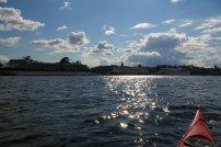 ... widzimy ogromne wycieczkowce, cumujące przy nabrzeżu Sodermalm.