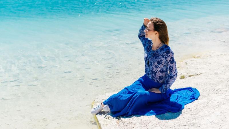 Quali Colori Abbinare A Un Vestito Blu Cobalto