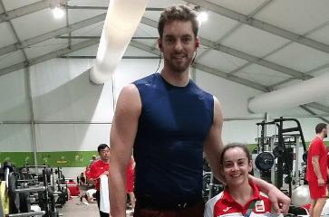 Diferentes tamaños de atletas