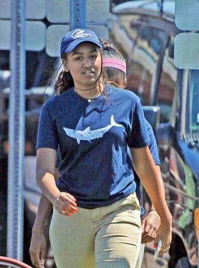 Sasha Obama trabaja como mesera en el verano sasha-
