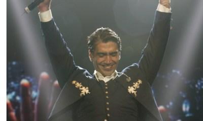 A pesar del sismo, Alejandro Fernández no dejó de cantar