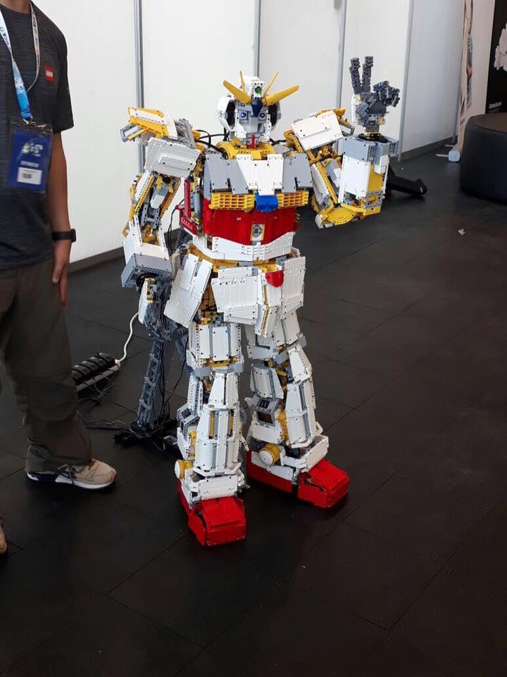 Robots juegan fútbol y luchan por el medio ambiente en Olimpiada Mundial 23376629_1532170146875205_7357448720055652086_n