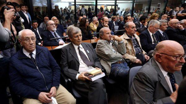 Finalmente condenan al ''Ángel de la muerte'' por crímenes de lesa humanidad en Argentina esma-sentencia-600x336