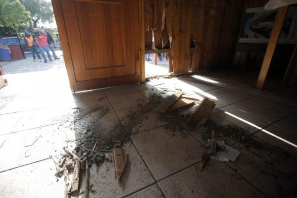 Previo a la visita papal, se registran atentados en iglesias de Santiago atentado-iglesia-aton-696x464-600x400