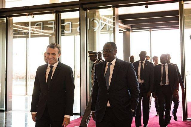Rihanna y Macron recaudan dinero para financiar educación en África DVGyl0iX0AU_AP9-1