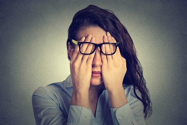 ¡Sismos! y uso de celulares por las noches provocan trastornos del sueño ceguera-por-smartphones