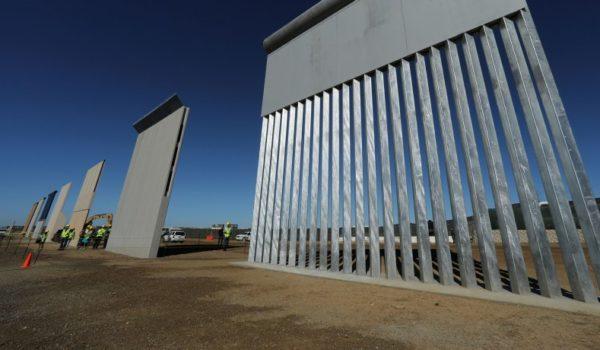 A unos pasos de México, Trump inspecciona varios prototipos del muro fronterizo donald-trump-daca-deal-democrats-should-give-trump-wall-1-600x350