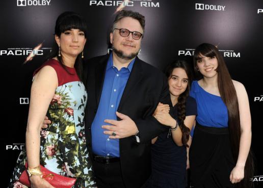 Después de los Premios Oscar: Guillermo del Toro confirma su divorcio guillermodeltorolorenzanewtonpacificbf-rcp2fyabl