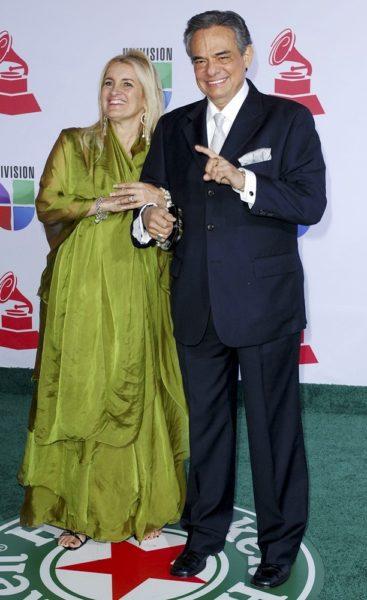Por cuestiones medicas, José José y su esposa tienen que vivir separados salazar-jose-12th-annual-latin-grammy-awards-01