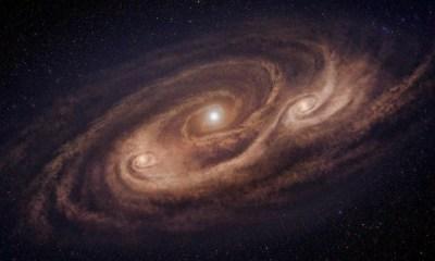 galaxia monstruo