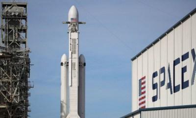 SpaceX tiene listo al primer turista lunar