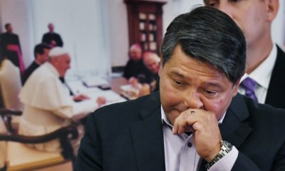 Víctima de sacerdote pederasta demanda al Vaticano