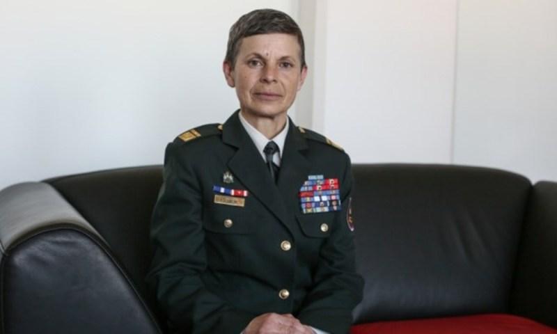 Alenka Ermenc la primera mujer al mando de un ejército Alenka-Ermenc