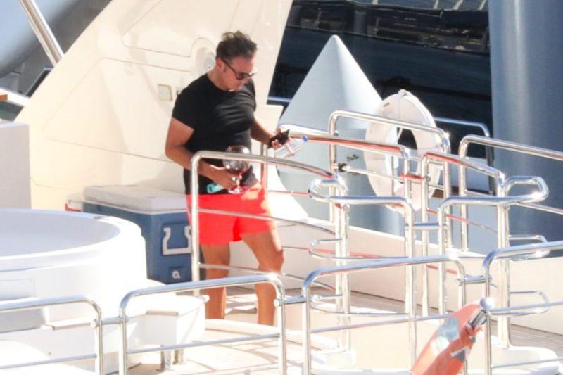 Entre fiesta y lujo: Luis Miguel fue visto en su yate en Miami The_Grosby_Group_GRG2093155