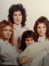 'Queen: El origen de una leyenda' llega al Foto Museo 4 Caminos 53708736_2149293301821920_6323270935885381632_n-1