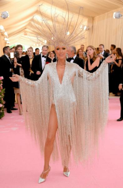 La moda llegó a Nueva York con los outfit de la 'Met Gala 2019' Captura-de-pantalla-2019-05-06-a-las-19.18.15