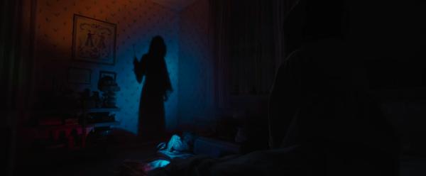 El internet se llena de terror con el adelanto de 'Annabelle 3: Comes Home' Captura-de-pantalla-2019-05-28-a-las-16.01.02-600x248